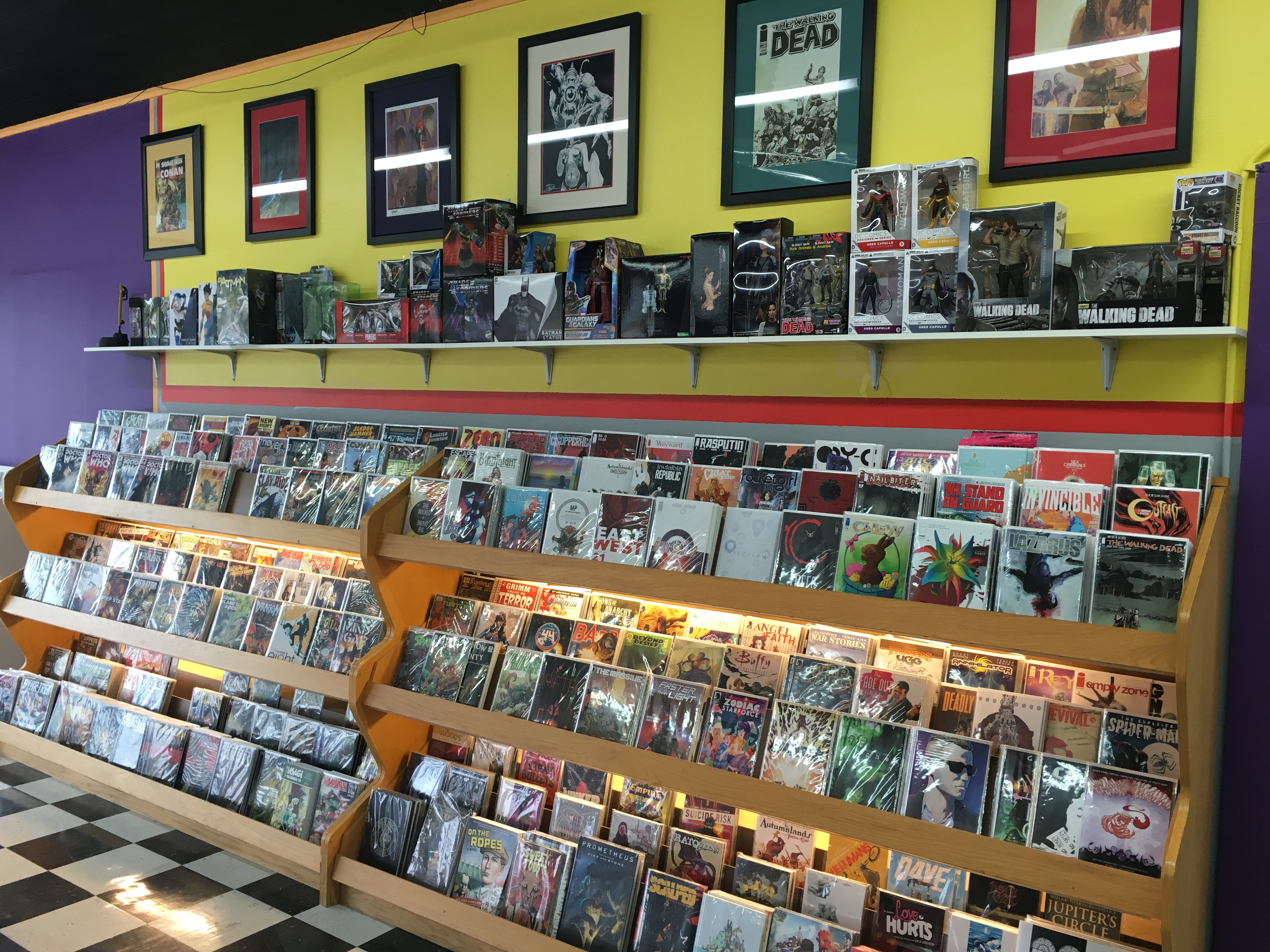 "<span  class=""uc_style_uc_tiles_grid_image_elementor_uc_items_attribute_title"" style=""color:#ffffff;"">New Comics at Mammoth Comics</span>"